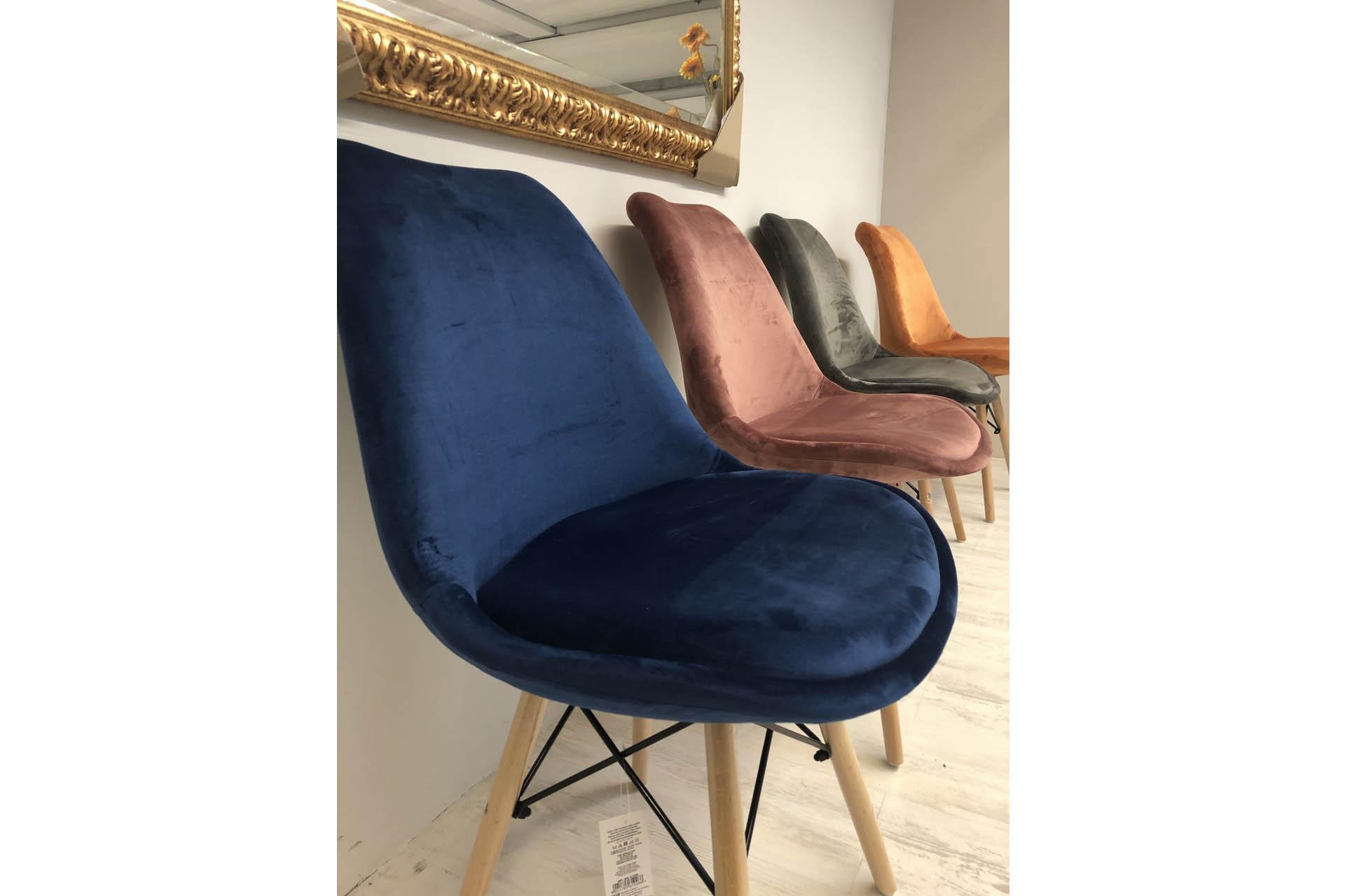 sedie-velour-piodarredamenti-2